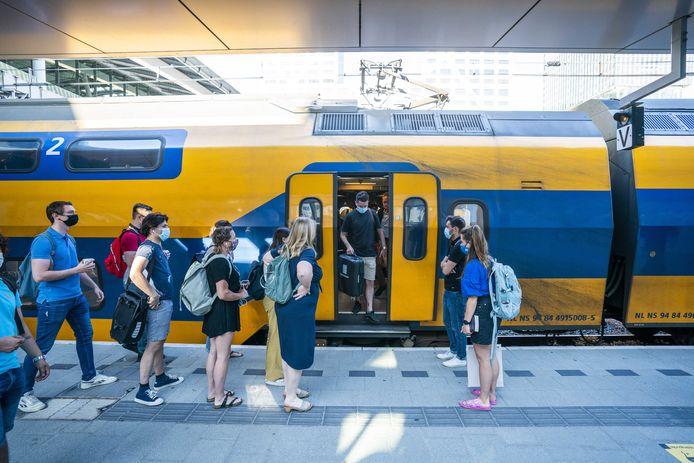 Ook de Nederlandse Spoorwegen (NS) en ProRail erkennen volgens de gemeente Utrecht en provincie Utrecht dat een grote investering de komende jaren noodzakelijk is.