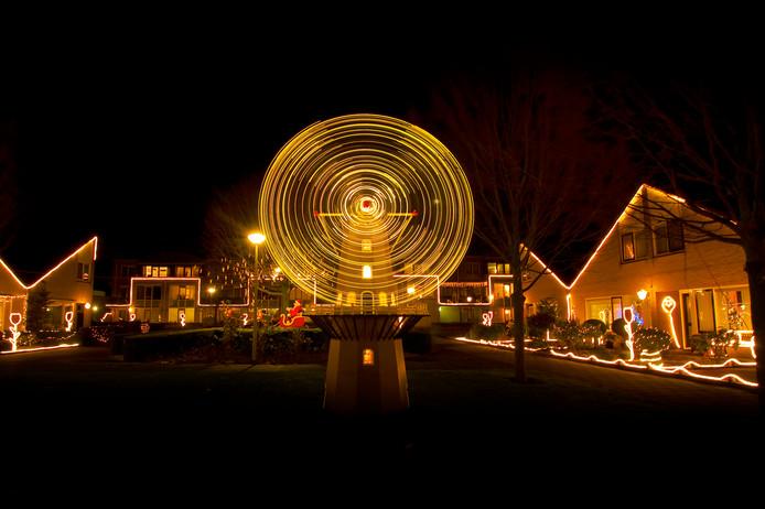 De Vicariehof in BenedenLeeuwen pakte het tijdens Lauwe on Light in 2011 groots aan met onder meer deze windmolen.