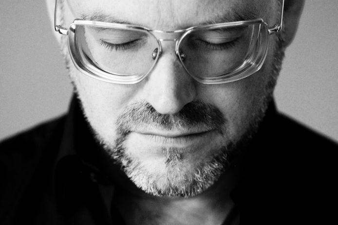 Jasper Staps is de nieuwe dirigent van de Frits Bayens Big Band in Oosterhout.