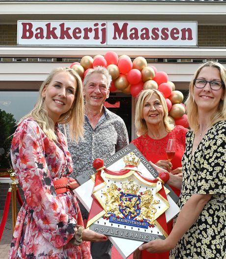 Wanroijse bakkerij Maassen verkoopt koninklijke worstenbroodjes: 'Elk broodje rollen wij met de hand'