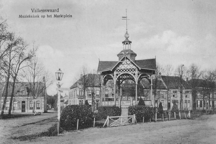 De Markt in Valkenswaard anno 1920.