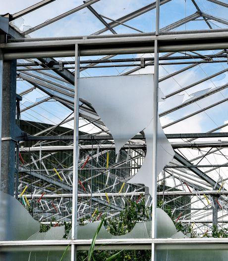 Kassen kapot na windhoos Huissen; met drone schade opnemen