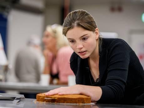 Tv-bakker Robèrt durft de winnende taart in Hengevelde wel mee te nemen naar zijn schoonmoeder in Goor