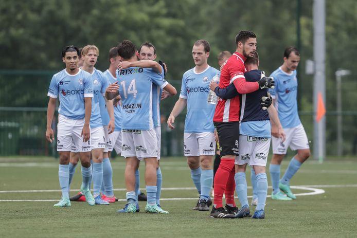 Juichende spelers van SV Belisia in het bekertreffen tegen Zwarte Leeuw. Zien we dit beeld eind oktober ook terug op AA Gent?