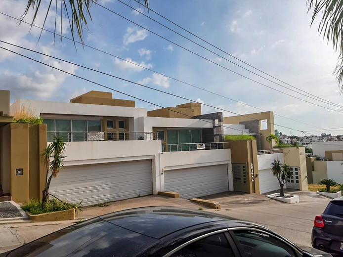 Huis 1, ter waarde van $ 11.224.446,-.