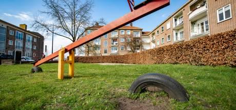 Vervuilde grond onder speeltuinen in Zutphen: 'Ik laat de kinderen hier niet meer spelen hoor'