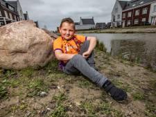 Mason (9) had als baby leukemie, nu haalt hij duizenden euro's op voor KiKa