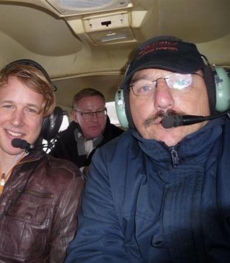 Omgekomen piloot Hans van der Linden in eigen hangaar herdacht