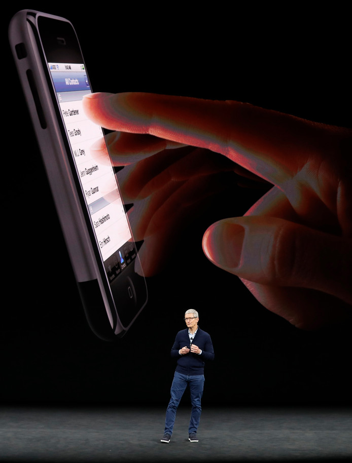 Tim Cook presenteert de iPhone 8.