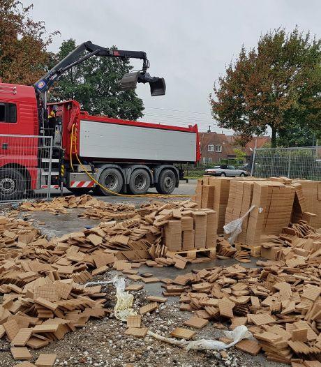 Verdachte pallets aanmaakblokjesfabriek Fire-up in Oisterwijk worden weggehaald