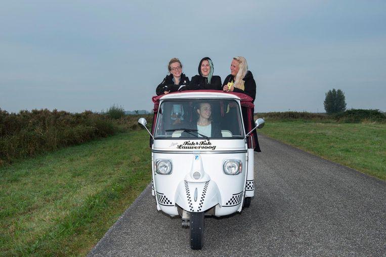 Met een tuktuk door Nationaal Park Lauwersmeer. Beeld Els Zweerink