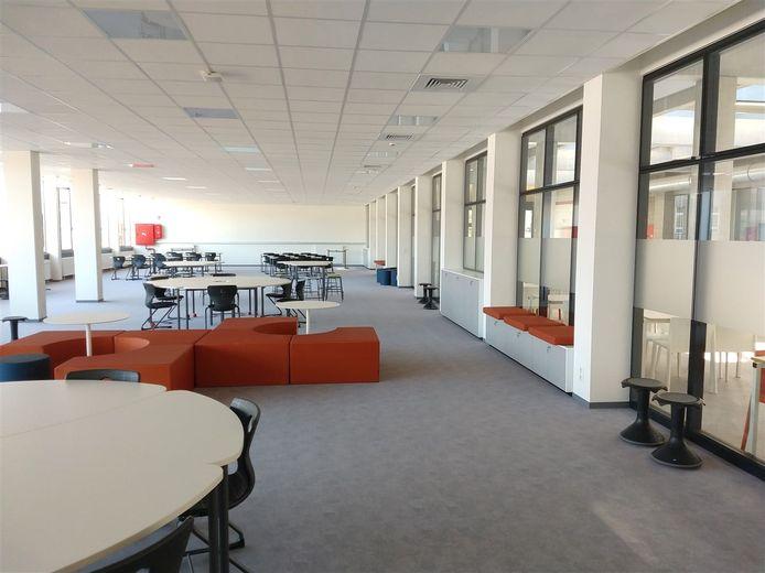 Opening van de nieuwe aula, openleercentrum en labo's van het SVI in Gijzegem.