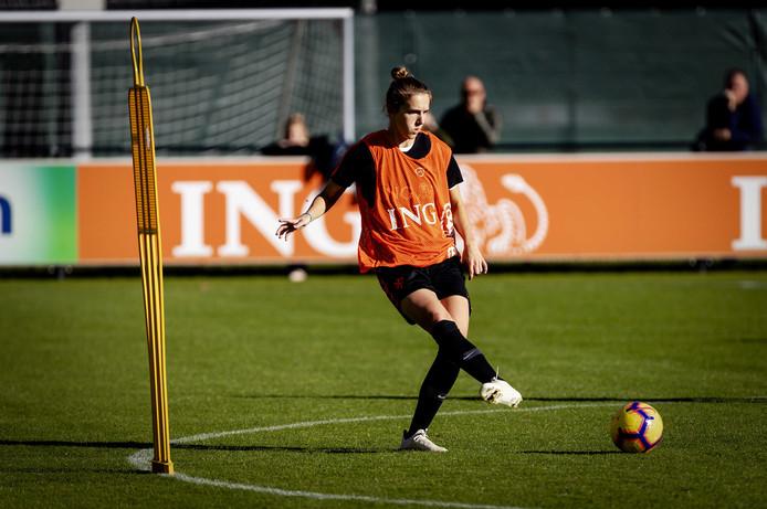 Vivianne Miedema tijdens de training van de Oranjevrouwen in aanloop naar de play-off tegen Zwitserland.