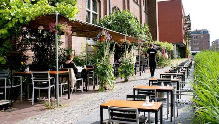 Op het terras van Cradam wordt niet meer gerookt. Beeld Cafe Restaurant Amsterdam