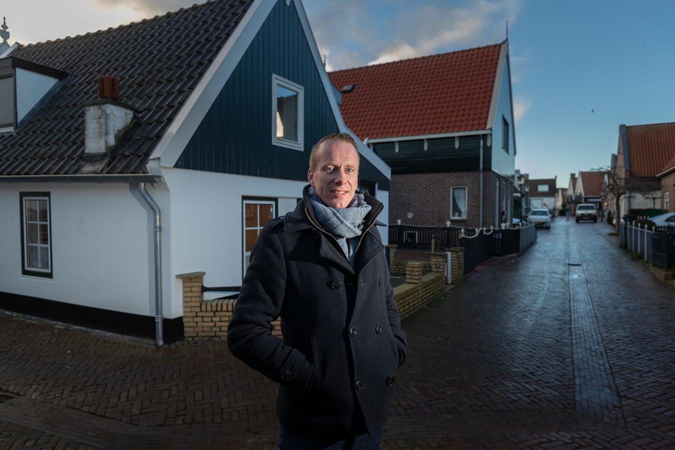 Cees van den Bos vertelt over zijn eerste 100 dagen als burgemeester op Urk.