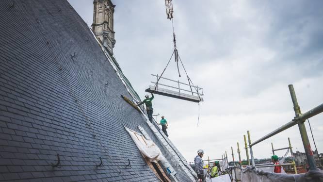 """IN BEELD. Gents stadhuis bijna uit stellingen: """"Het regent niet langer binnen"""""""