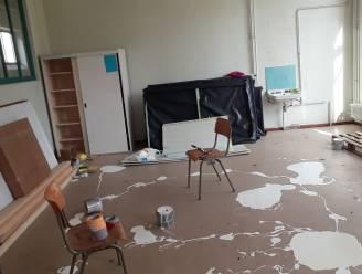 """Vandalen bekladden leslokalen in Buso 't Vurstjen met witte verf: """"Draag verantwoordelijkheid en geef jullie aan"""""""