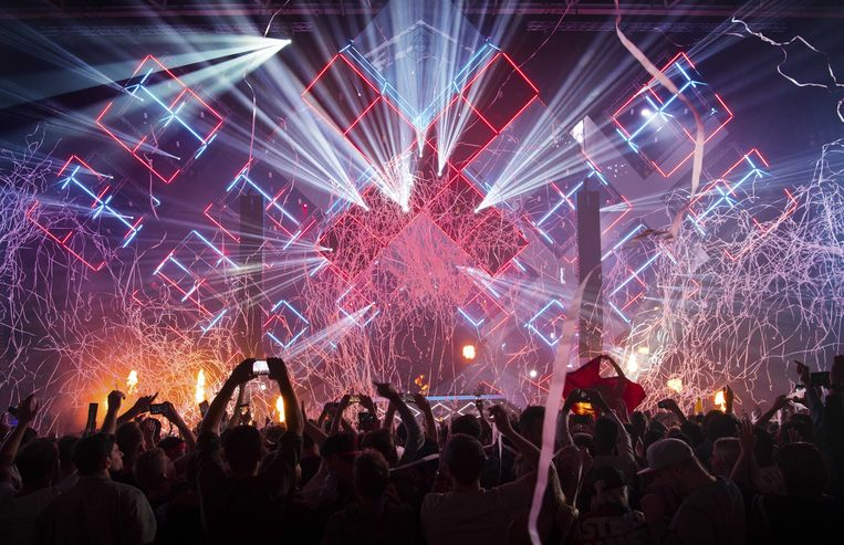 Martin Garrix wordt door tijdschrift DJ Mag uitgeroepen tot beste dj ter wereld tijdens het Amsterdam Dance Event in 2017. Beeld ANP