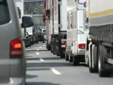 Gestrande vrachtwagen zorgt voor veel vertraging op A28