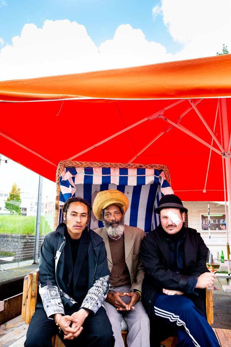 Tirino Yspol en Iyiapo Tafari van snackbar Kukru en Hendrik Leyendeckers van jazzpodium De Ruimte. Beeld Marjolein van Damme