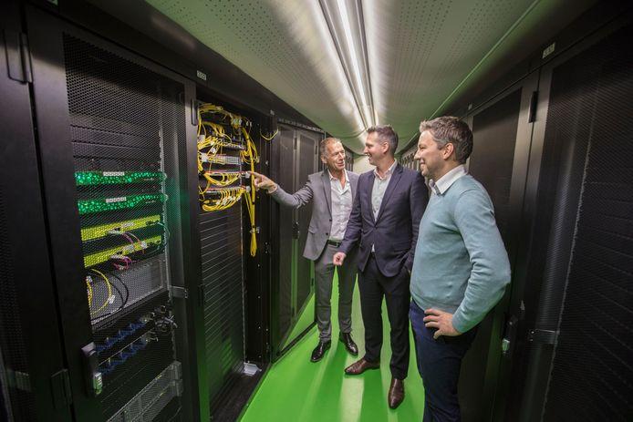 De computerruimte van e-Quest in Helmond. In het midden staat Martijn de Koning.