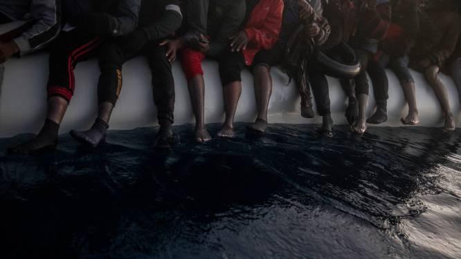 Italiaanse kustwacht redt 187 bootmigranten