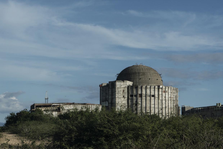Een nooit afgewerkt kerncentrale in Cuba.