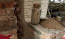 De tijdcapsule was ingegraven in een spouwmuur naast de kamer waar de heilige Thorarollen bewaard worden.