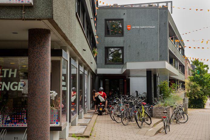 SSH&-complex aan van Jacob Canisstraat in Nijmegen.