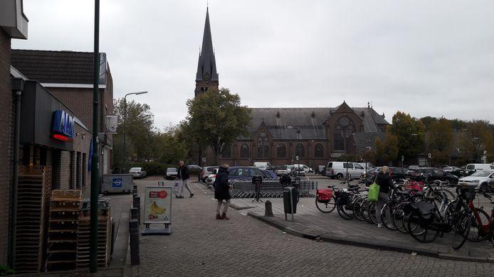 Voor plannen voor vernieuwing van het verouderde parkeerterrein aan de Hazeslinger en uitbreiding van de Aldi in Breukelen hebben ambtenaren in Stichtse Vecht voorlopig geen tijd.