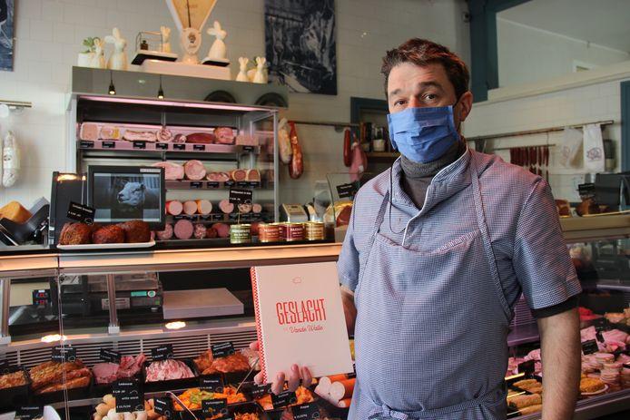 Ruben Vande Walle speelde al langer met het idee om een boek uit te brengen over het familiebedrijf en de vleesambacht. Met 'Geslacht bij Vande Walle' is het nu zover.