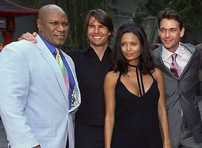 Tom Cruise en Thandie Newton (midden) ten tijden van 'Mission Impossible 2'.