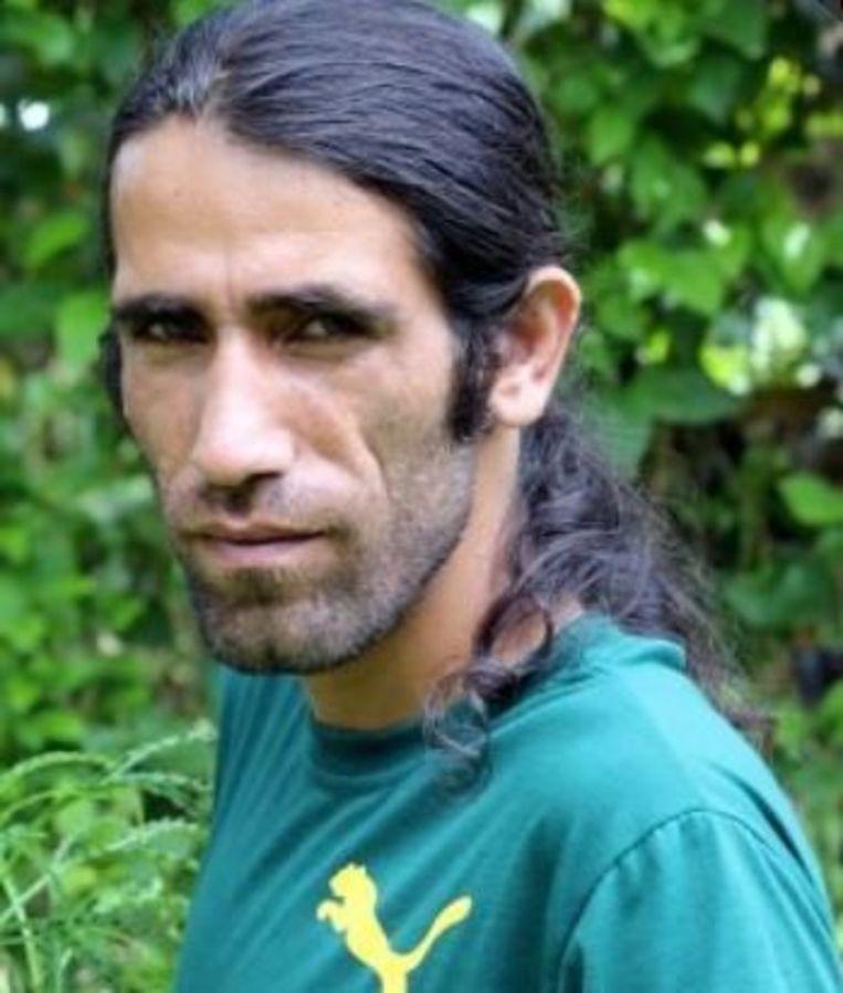 Behrouz Bouchani schreef via Whatsapp-berichten vanuit een gesloten detentiecentrum op het eiland Manus een boek waarin hij het onmenselijke Australische asielbeleid aanklaagt.