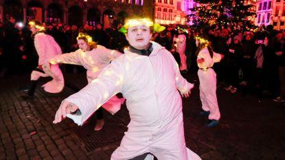 Actie van Extinction Rebellion op Brusselse markt gecounterd met herhalend klank- en lichtspel van Winterpret