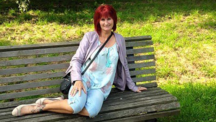 Krantenbezorgster Anita van Dijk werd op vrijdag 13 mei neergestoken op de Pasteursingel in Rotterdam.