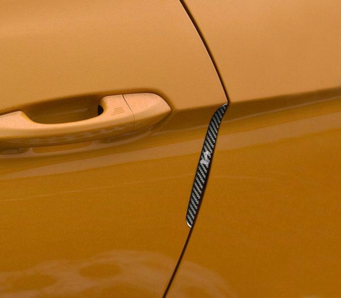 Een stootstrip om de auto te beschermen tegen deuken en krassen.