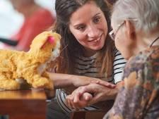 Kim (29) wil iets betekenen mensen met dementie: patiënten die niet zoveel meer hebben, zichzelf verliezen