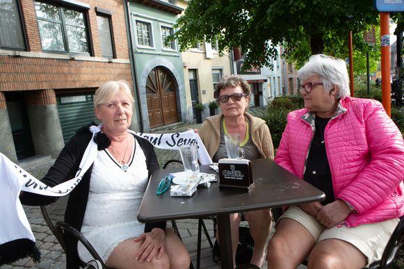 De drie zussen Christine, Martine en Erika De Rycke uit het Oost-Vlaamse Maldegem hadden er veel over om afscheid te nemen van Paul Severs.