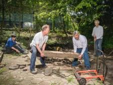 Een mooie en opgeknapte tuin met dank aan de vrijwilligers van NL Doet