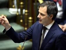 """De Croo maintient: les voyages restent """"vivement déconseillés"""""""