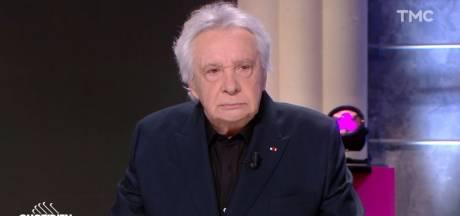 """Michel Sardou refuse d'utiliser du gel hydroalcoolique et crée le malaise dans """"Quotidien"""""""