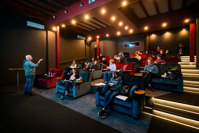 Leerlingen van scholengemeenschap Pantarijn krijgen twee keer per week les in een Wageningse bioscoop