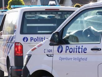 Bestuurder veroorzaakt wilde achtervolging in Hasselt nadat hij paaltje omverrijdt: agent gewond