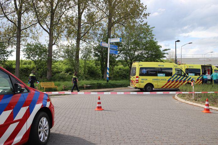 De plek van het ongeluk was afgezet met linten.
