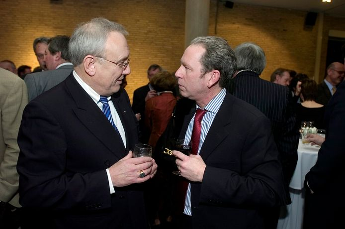 Anton Jungerhans op een receptie in 2008, in gesprek met huidig raadslid Frans van Aarle.