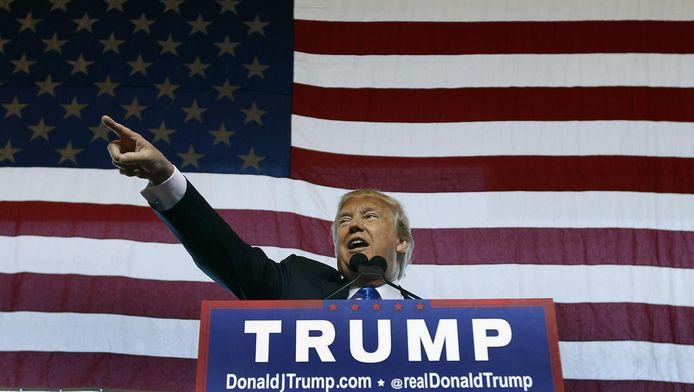 Donald Trump in een voor hem kenmerkende pose