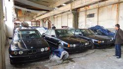 Het verhaal achter de ontdekking van 11 gloednieuwe BMW's uit de jaren '90 in een Bulgaarse loods