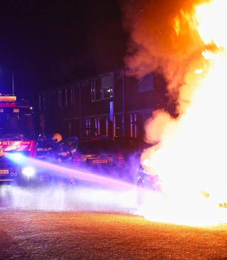 BMW van zanger Jeffrey Heesen in brand gestoken in Oss: 'Ontzettend eng om je auto zo te zien'