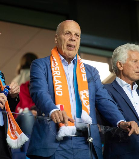 Afzwaaiende Jan Smit (75) krijgt een nóg hogere onderscheiding van de KNVB