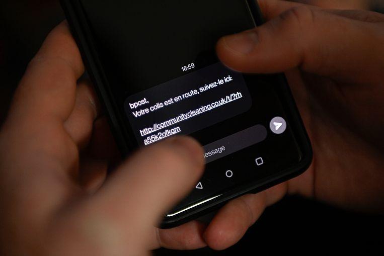 Voorbeeld van een frauduleuze sms die in naam van bpost werd verstuurd. Beeld Belga
